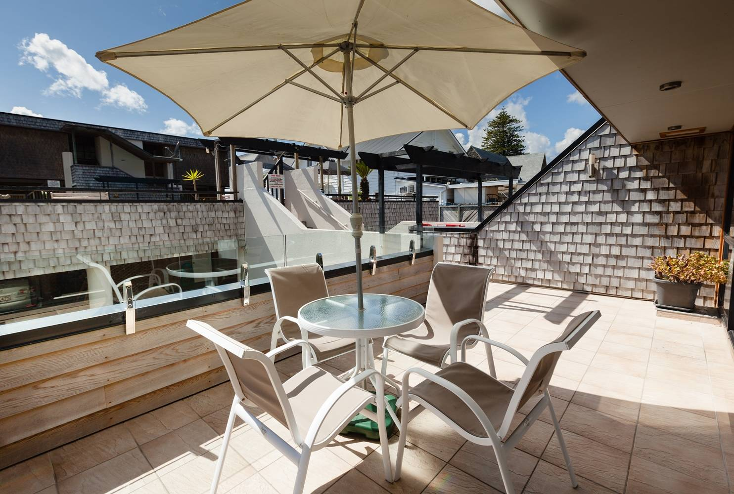 pioneer-apartments-paihia-pool-view-garden-level-balcony.jpg